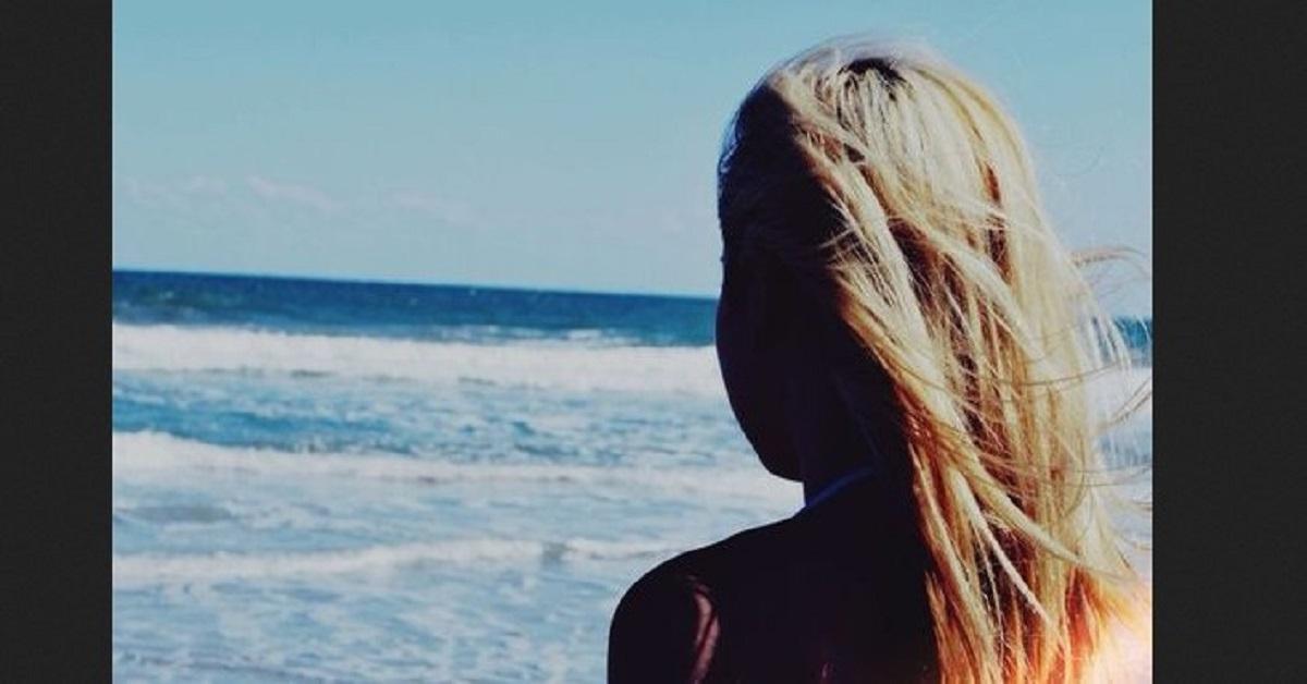Pogrążona w żałobie stała i krzyczała na 6-latkę na plaży. Miesiąc później żałowała tego