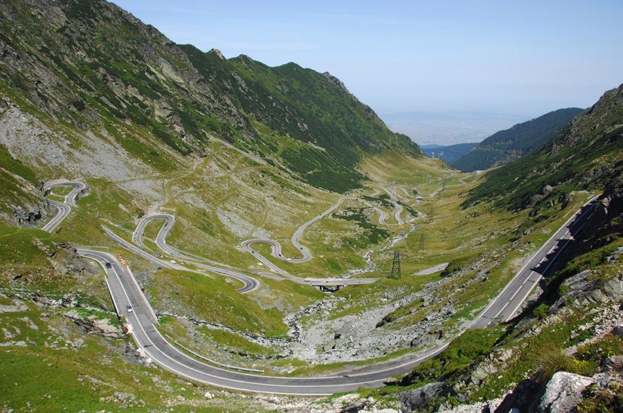 15 ekstremalnie niebezpiecznych dróg z całego świata. Przez niektóre bałabym się przejechać