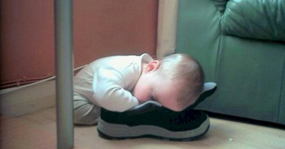 10 zabawnych dzieci, które nie mają żadnego problemu z zasypianiem. Na widok nr 7 padłam ze śmiechu!
