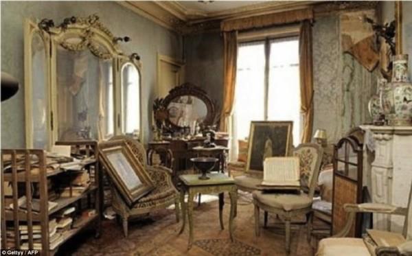 tajemnicze i przepiękne opuszczone mieszkanie  (1)