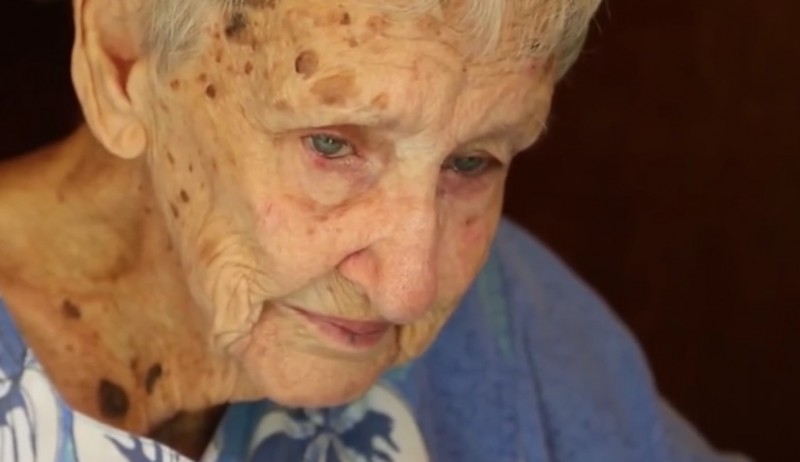 sasiedzi skarzyli sie na starsza kobiete (1)