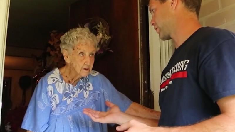 sasiedzi skarzyli sie na starsza kobiete (5)