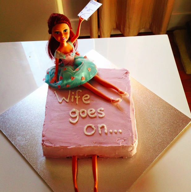 19 ciast, które ukazują, że tort to super sposób na zakończenie nieudanego małżeństwa. Przezabawne!