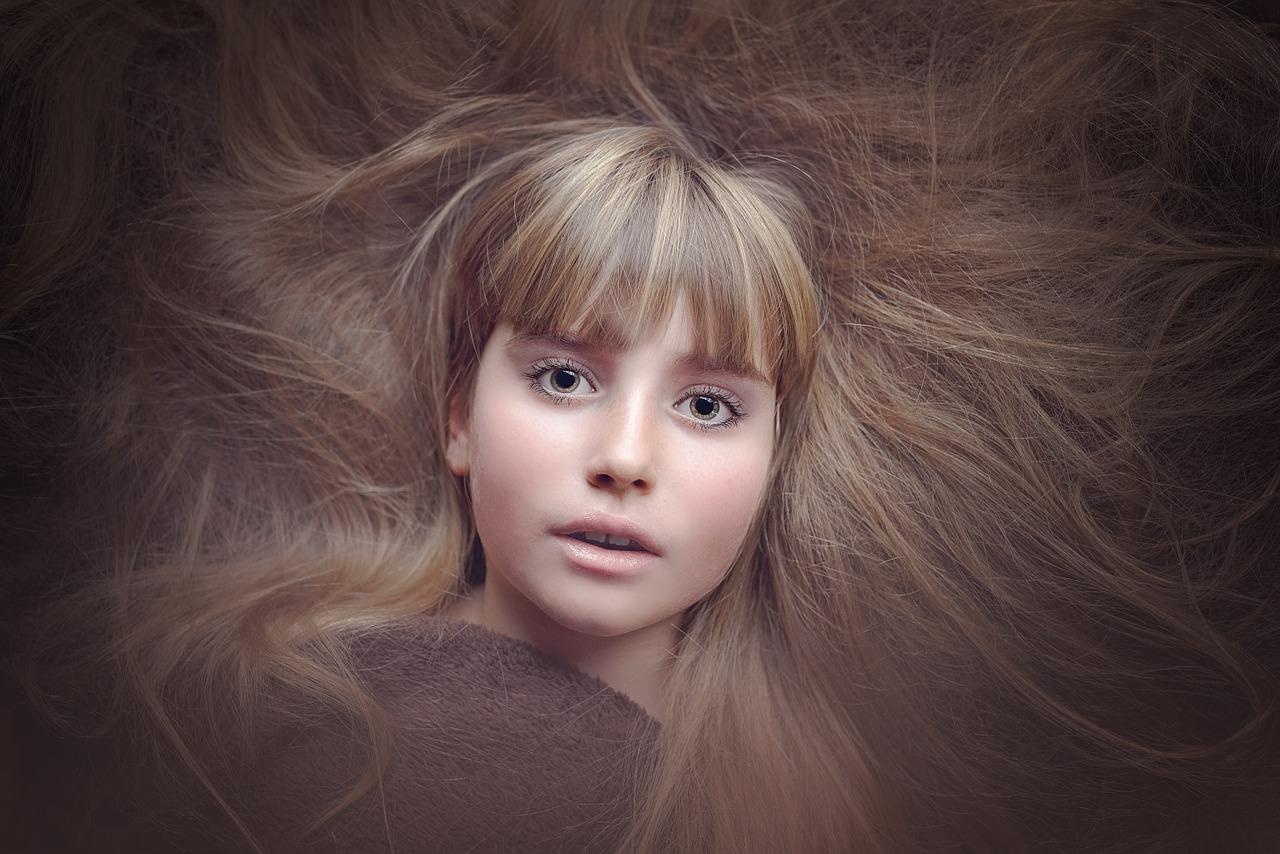 Jak naturalnie rozjaśnić włosy, czyli co zamiast farby?