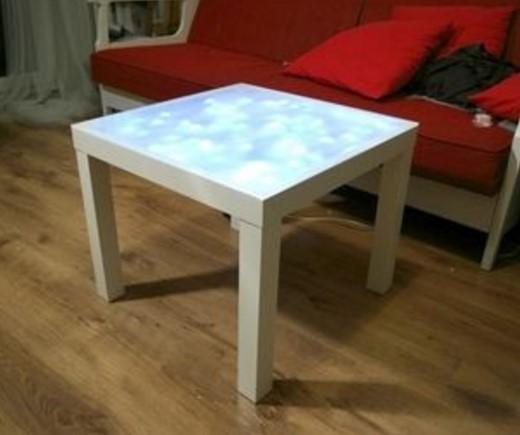 Jeśli nie chcesz być oryginalny, sprawdź jak przerobić popularny stolik z IKEA. Super inspiracje!