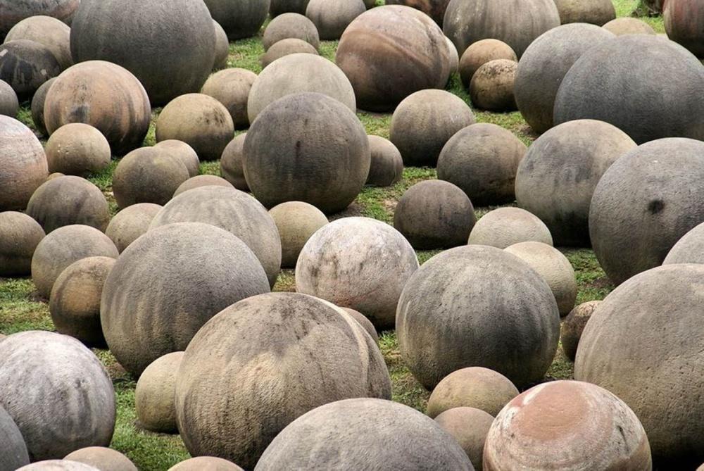 Olbrzymie kamienne kule na Kostaryce