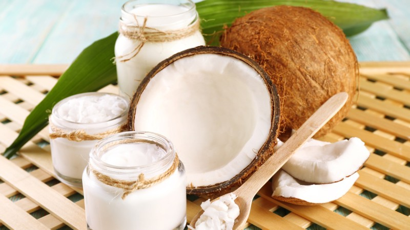 Fresh coconut oil in glassware