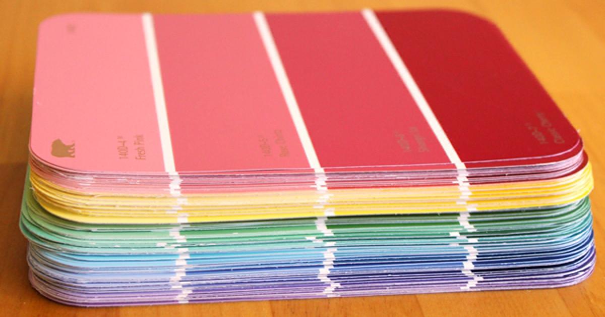 10 fantastycznych pomysłów na wykorzystanie wzorników kolorów do dekoracji Twojego domu. Od teraz zaczynam je zbierać!