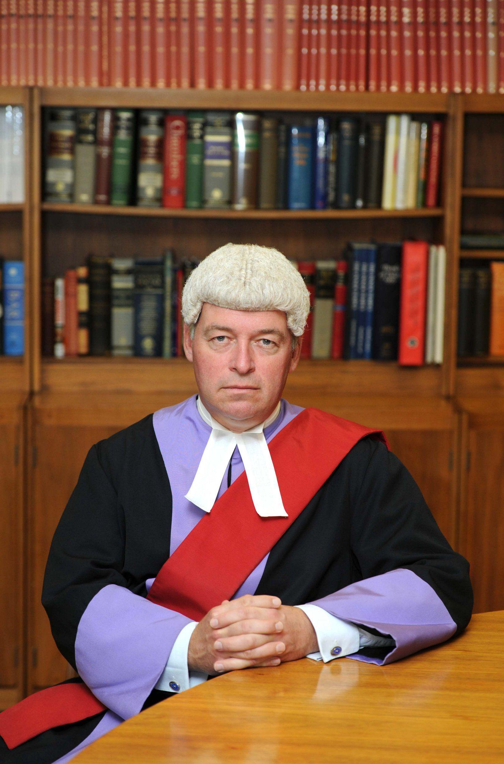 Sędzia zalał się łzami, gdy czytał wyrok parze, która gwałciła i zmuszała ofiary do zjadania wymiocin