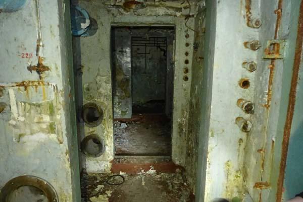 Dolne korytarze były w gorszym stanie.