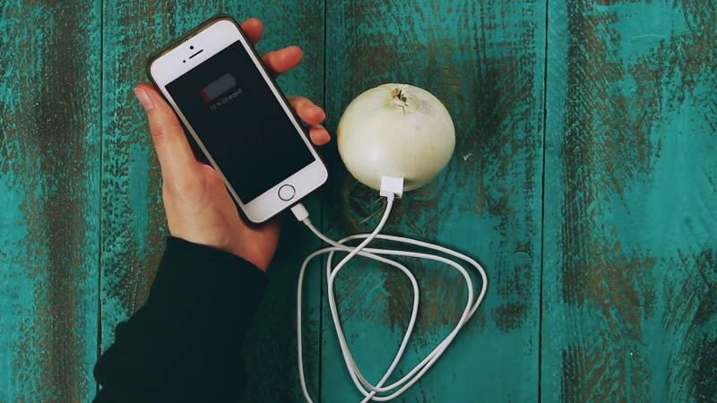 18 zaskakujących zastosowań cebuli, które warto znać. Doskonale sprawdza się nie tylko w kuchni