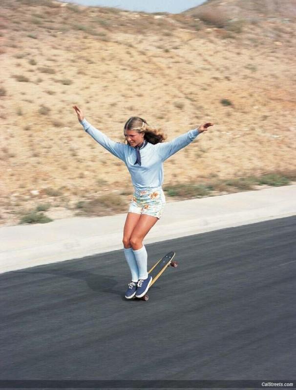 Ellen O'Neal, najlepsza skaterka z lat 70-tych w czasie treningu.