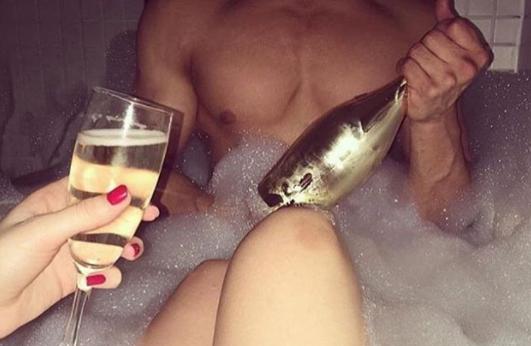 8 powodów, które przekonają Cię, że wspólna kąpiel z partnerem niesie wiele korzyści