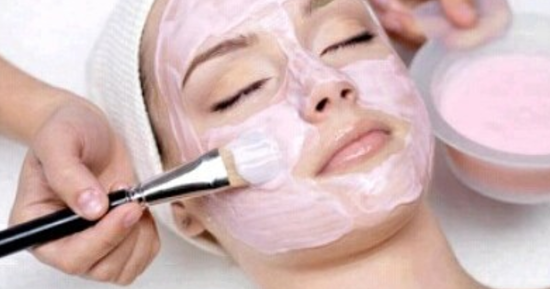 5 urodowych trików z użyciem cukru, dzięki którym Twoja skóra będzie promienna jak nigdy dotąd