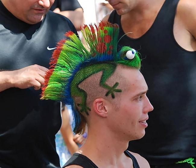 20 szalonych fryzur, które swoim niecodziennym wyglądem zaskoczyły nawet fryzjerów