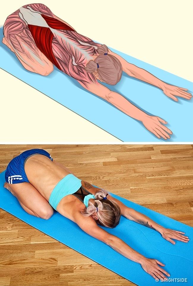 18 zdjęć pokaże Ci dokładnie, które mięśnie rozciągają się podczas ćwiczeń