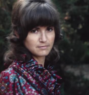 Zabroniono im się pobrać. 48 lat później znalazła w rzeczach zmarłej mamy wycinek z gazety