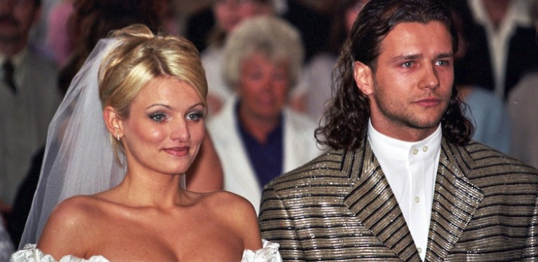 Niewiele osób zna pierwszą żonę Radosława Majdana. Jak wygląda po 20 latach od dnia ich ślubu?