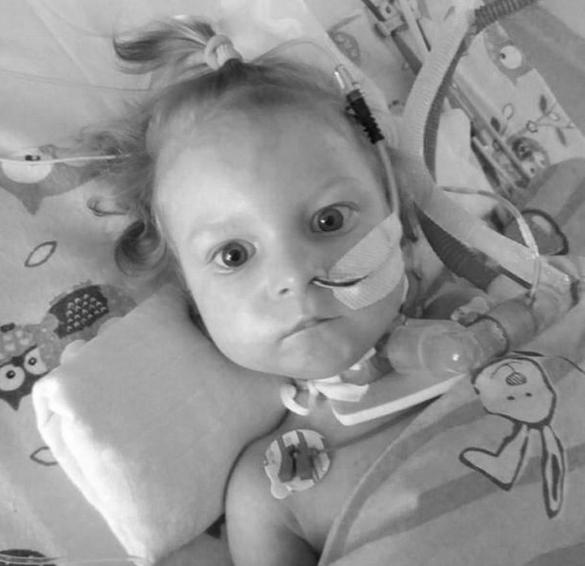 W płucach Neli znaleziono dwucentymetrową igłę. Dziewczynka zmarła