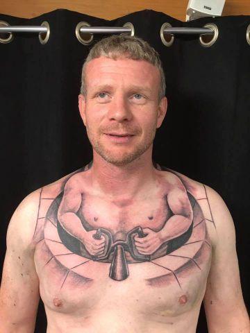Jego Tatuaż To Prawdziwy Hit Niepowtarzalną Dziarę Kierowcy