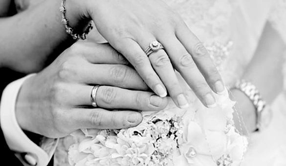 Kiedy bawili się na swoim weselu, włamano się do ich domu. Stracili nie tylko weselne prezenty