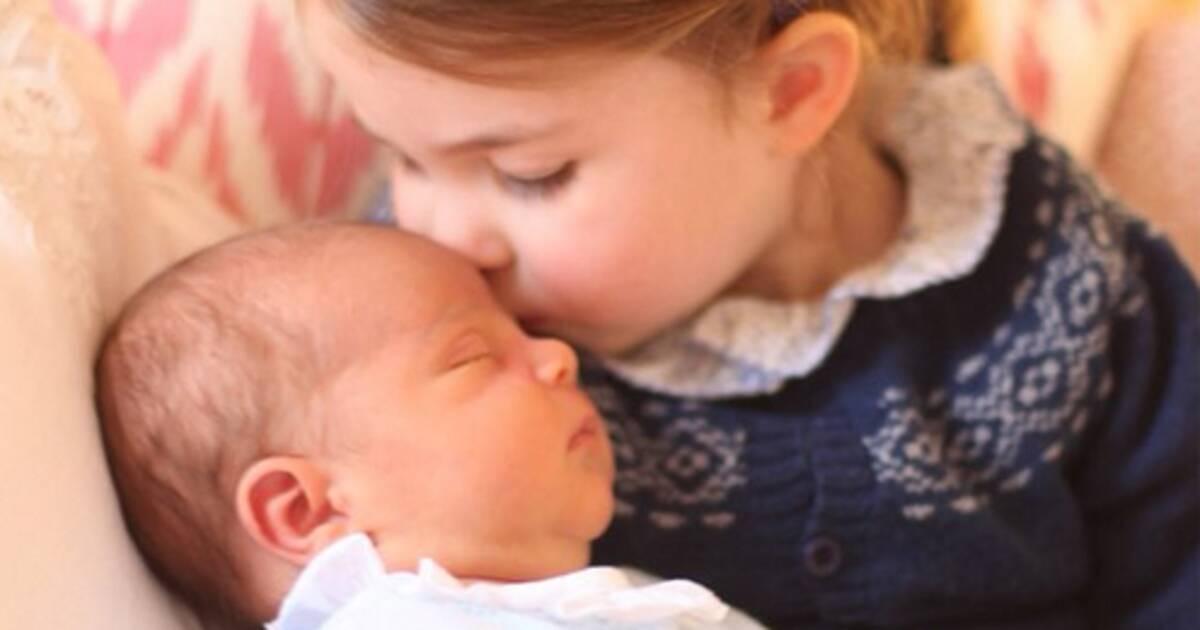 Nikt nie chciał adoptować dziewczynki o srebrnych oczach, którą mama porzuciła tuż po porodzie