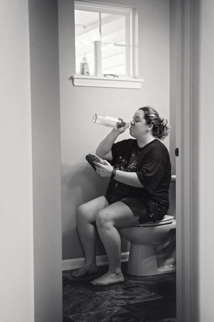 19 szczerych zdjęć, które pokazują, z jakimi problemami zmagają się mamy każdego dnia