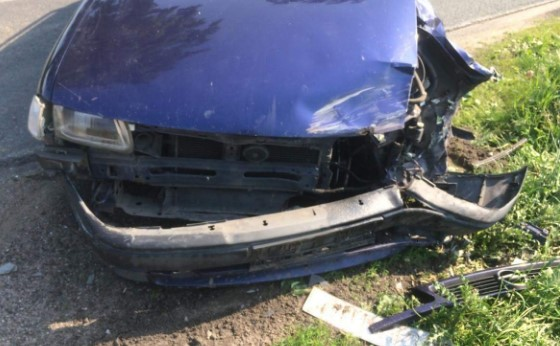 Pijany kierowca spowodował wypadek i starał się przekupić policjantów. Wysokość łapówki bawi do łez