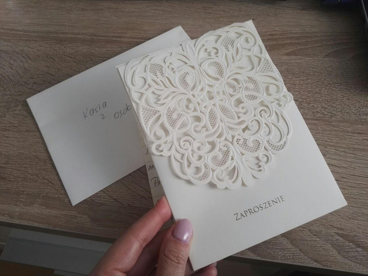 Dostała zaproszenie na wesele z bardzo dziwnym wierszem. Para Młoda wprost prosiła o jedną rzecz