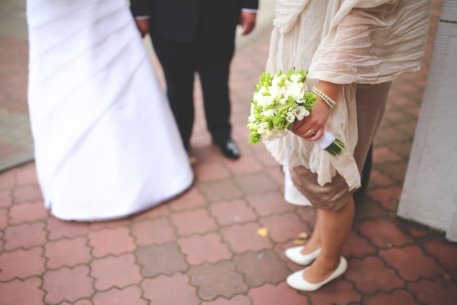 Para młoda zjawiła się, by zaprosić kuzynkę na ślub. Sandra odmówiła, słysząc ich słowa