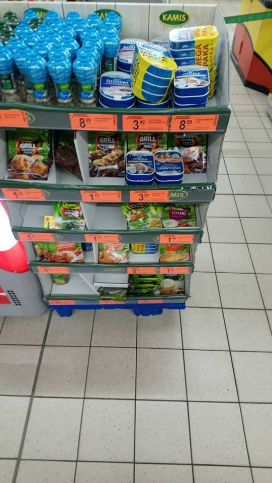 Zdenerwowany klient Biedronki pokazuje, jak w perfidny sposób sklep wprowadza w błąd