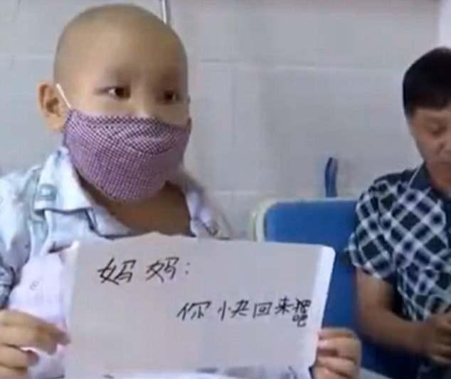 10-latek jest chory i wymaga drogiego leczenia. Gdy zebrano potrzebną sumę, jego mama zniknęła