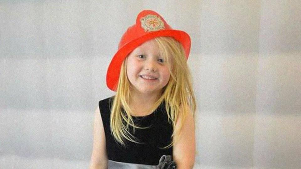 Tata niósł różową trumnę zamordowanej, 6-letniej córeczki. W tle widać było bańki mydlane