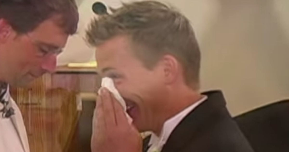 Fotograf ślubny złamał panu młodemu nos w kościele. Ludzie uważają, że dobrze zrobił