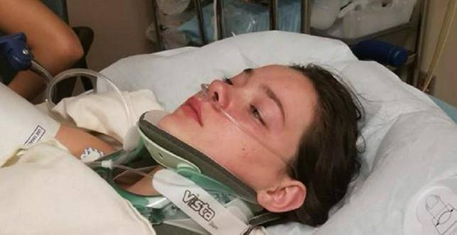 18-latka, która zepchnęła koleżankę z mostu wyznała swoją wersję. Obawia się o własne życie