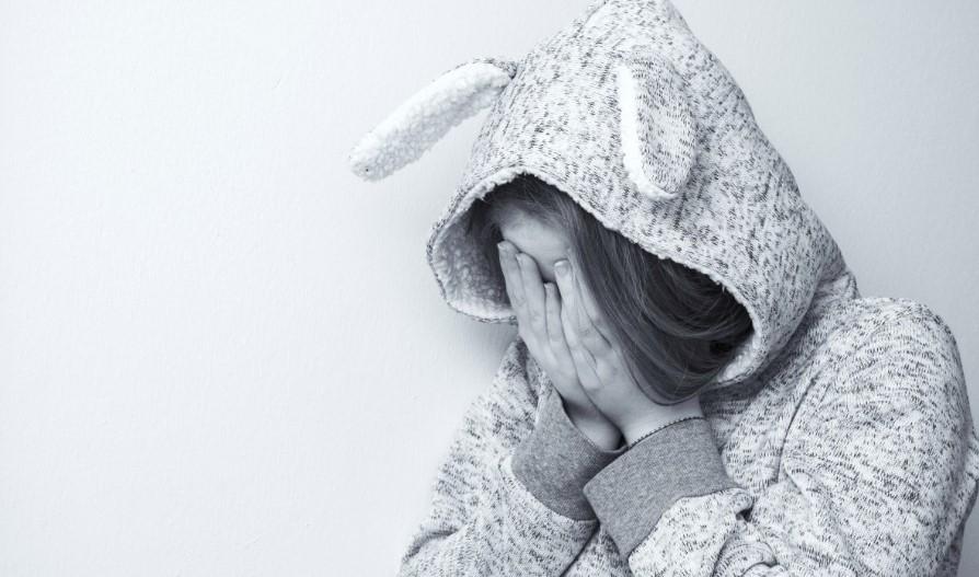 Rodzice gwałcili czwórkę dzieci podczas libacji alkoholowych. Najmłodsze ma tylko 5 lat