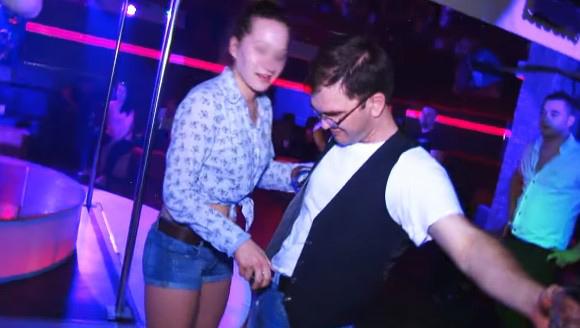 Warszawski DJ, raper i bramkarz mówią, ile nastolatki są w stanie zrobić, aby wejść do klubu