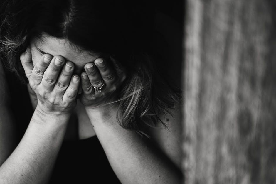 Teściowa powiedziała ciężarnej, że mąż na pewno ją zdradzi. Kobieta nie zniosła stresu