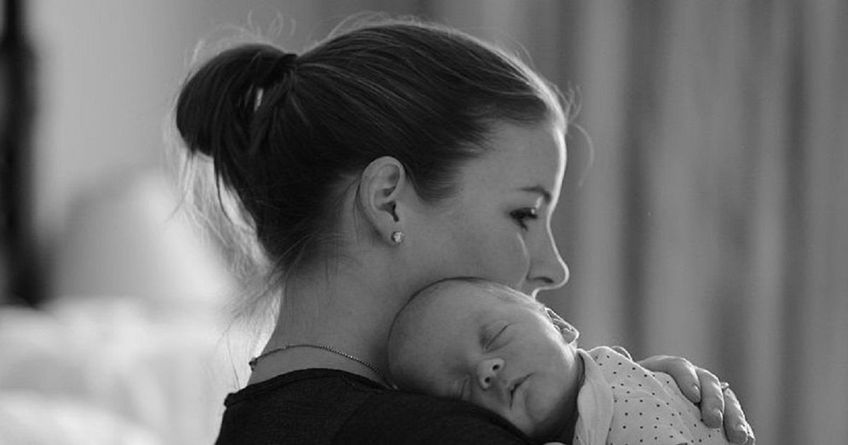 """""""Mój facet chciał dziecko, a teraz nie umie się nim zająć"""". Monika ma dość takiego życia"""