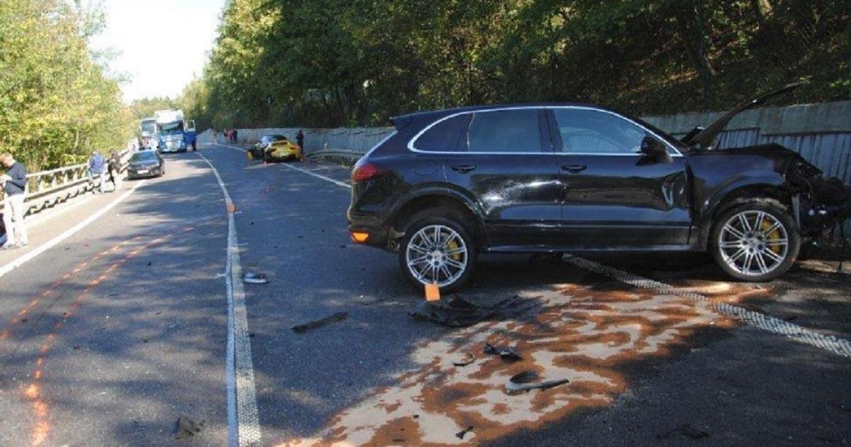Polacy ścigali się luksusowymi autami. Wjechali w niewinnego człowieka i go zabili
