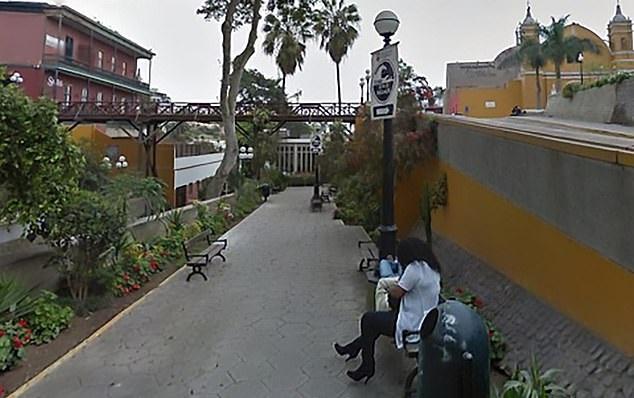 Przeglądał okolice na Google Maps. Gdy zdjęciu zobaczył żonę, rozwiódł się z nią