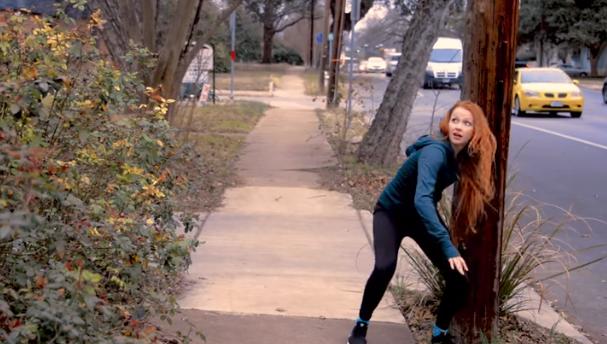 Jej 17-letnia córka miała przespać się z koleżanką. Wszystko, aby inni ją polubili