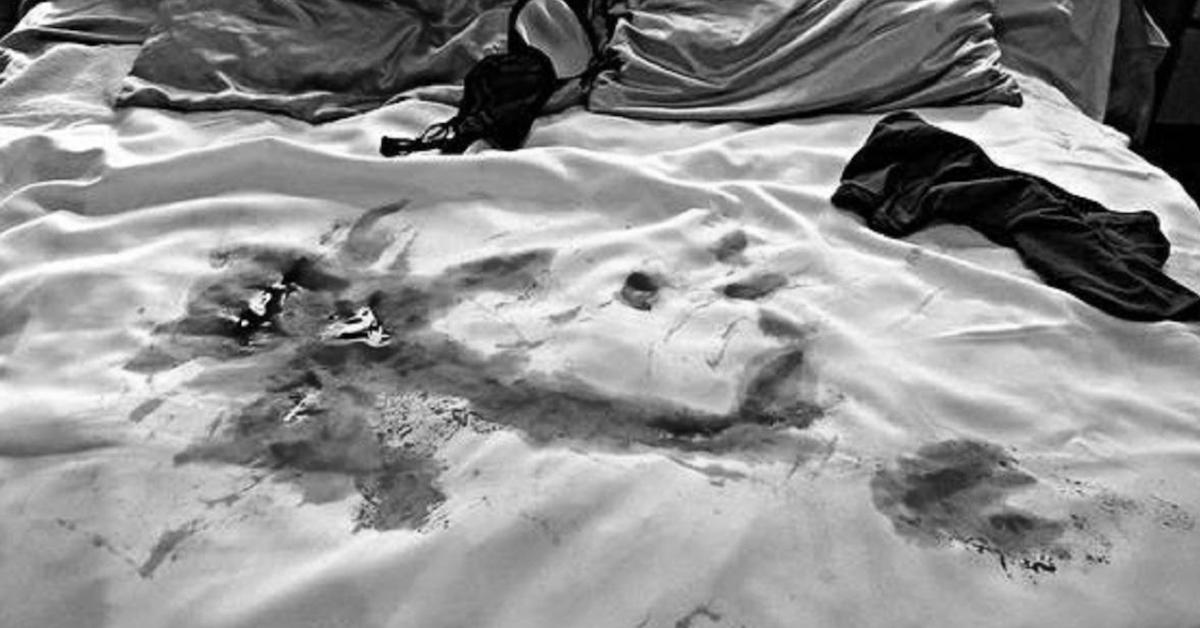 """""""Całe łóżko było we krwi"""". Kobieta szczegółowo opisuje aborcję, której poddała się w domu"""