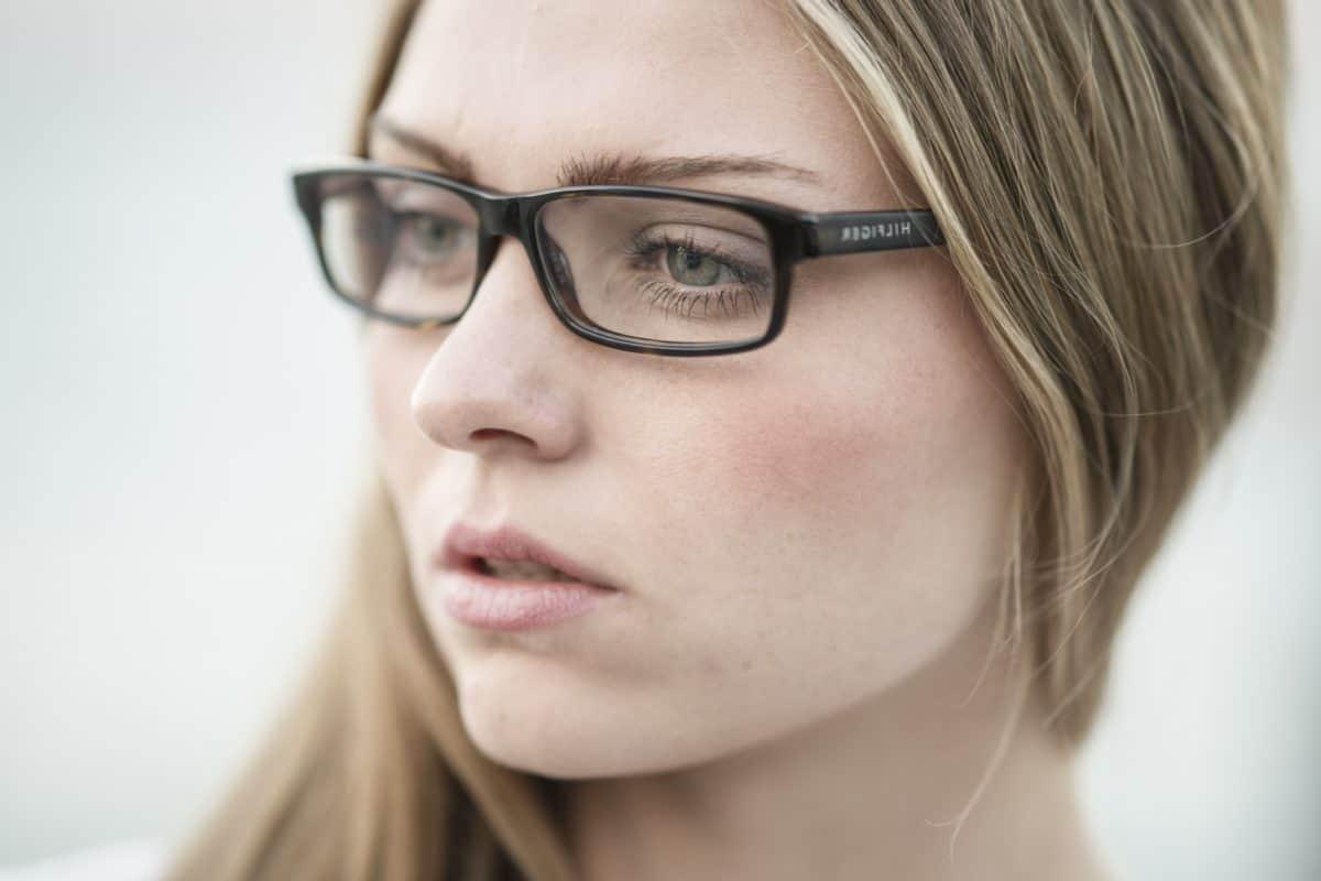 4 rzeczy, których większość kobiet w sobie nienawidzi, a faceci wręcz za nimi szaleją