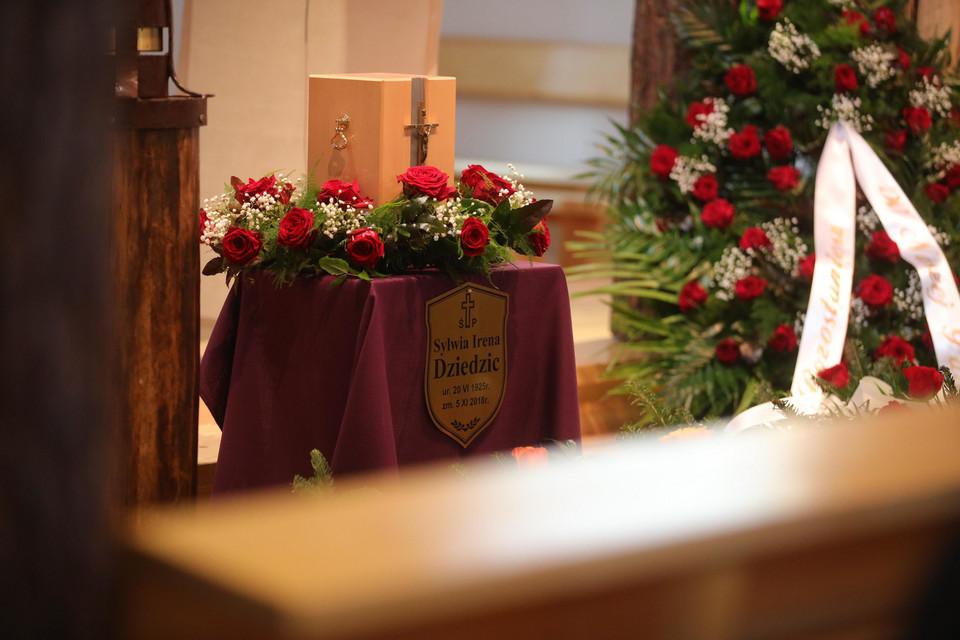 Wczoraj miał miejsce pogrzeb Ireny Dziedzic. Dziennikarka odeszła w samotności i biedzie