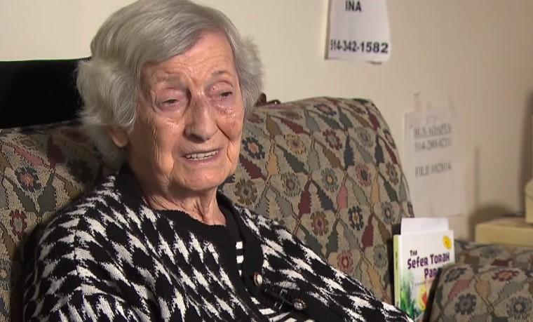 """92-latka, która przeżyła Holokaust został pobita w taksówce. """"Krew wypływała mi z nosa"""""""