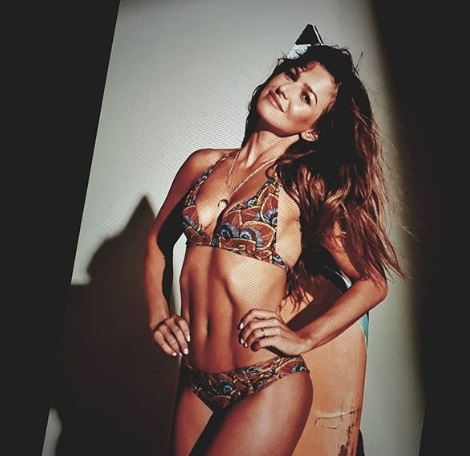 Ania opublikowała zdjęcia z sesji. Nie powstrzymała się od komentarza na temat swoich piersi