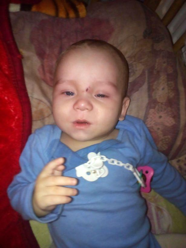 Matka napoiła 8-miesięcznego synka wódką. Gdy stracił przytomność, poszła na imprezę