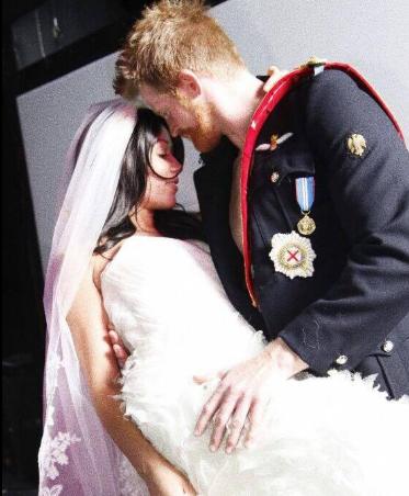 Czy tak mogło wyglądać prawdziwe wesele? Wątpimy ;)