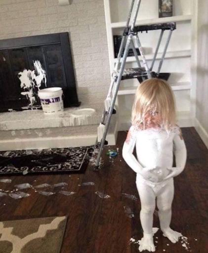 27 zdjęć kataklizmów z udziałem dzieci. Pomazane ściany to zaledwie początek